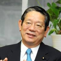 Ambitions to be leader: Liberal Democratic Party heavyweight Nobutaka Machimura speaks during a recent interview at his office in Tokyo.   SATOKO KAWASAKI PHOTO