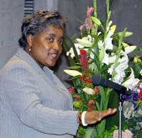 Be ambitious, girls: Donna Brazile, a political strategist for the Democrats, speaks at a symposium Friday at Sophia University in Tokyo. | YOSHIAKI MIURA PHOTO