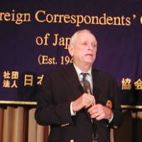 Point of view: Ric O'Barry, a dolphin rights activist, speaks at the Foreign Correspondents' Club of Japan on Friday evening.   MINORU MATSUTANI