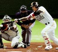 Softbank infielder Hiroki Kokubo successfully makes a sacrifice bunt with a runner on first and one out in the fourth against the Fighters at Yahoo Dome on Saturday. Hokkaido Nippon Ham cruised past the Hawks 7-1. | KYODO PHOTO
