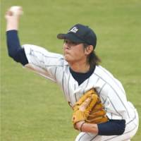 Lionheart: Hideaki Wakui throws a pitch against China on Tuesday. | KYODO PHOTO