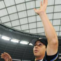 Sledgehammer: Terrmel Sledge has helped the Hokkaido Nippon Ham Fighters' offense find its feet in the Pacific League Climax Series. | KYODO PHOTO