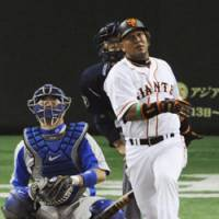 Ready for action: Slugger Alex Ramirez has worked out the kinks and is ready to put up big numbers again for the Yomiuri Giants. | KYODO PHOTO