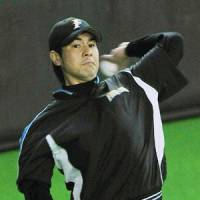 Probable starters: Fighters southpaw Masaru Takeda and Giants right-hander Dicky Gonzalez are slated to take the hill for Game 1 of the Japan Series on Saturday at Sapporo Dome. | KYODO PHOTO