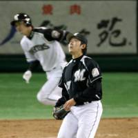 Starting point: Pitcher Yoshihisa Naruse will play a key role if the Chiba Lotte Marines hope to be in contention for the pennant this season. | KYODO PHOTO