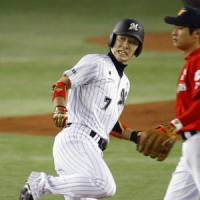 Making the jump: All-Star shortstop Tsuyoshi Nishioka is hoping to ply his trade for a major league team in 2011. | KYODO PHOTO