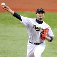 Quality outing: Buffaloes starter Park Chan Ho keeps the Lions off the scoreboard for seven innings on Friday as Orix defeated Seibu 2-0. | KYODO PHOTO