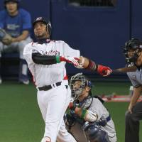 Valuable weapon: Swallows slugger Wladimir Balentien leads the Central League with 19 home runs. | KYODO