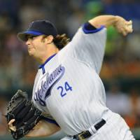 Back with the team: Pitcher Brent Leach, who left Japan following the March 11 disaster, is hoping to regain his form after returning to the Yokohama BayStars this month. | KYODO PHOTO