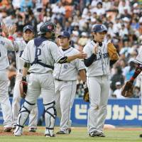 On a roll: The Seibu Lions extend their unbeaten streak to nine games on Saturday with a 5-5 tie against the Chiba Lotte Marines at QVC Marine Field. | KYODO PHOTO