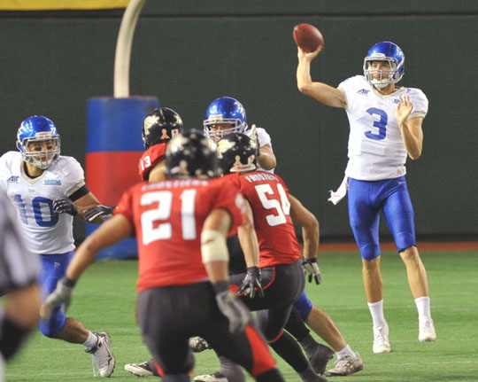 Ex-UCLA QB Craft happy to be in Japan