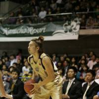 Shooter's touch: Ryukyu Golden Kings guard Shigeyuki Kinjo is the bj-league's top 3-point shooter this season. He has made 41.8 percent of his 3-point attempts (76-for-182) through Sunday. | RYUKYU GOLDEN KINGS