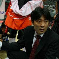 Back to school: Osaka Evessa head coach Kensaku Tennichi wants his team to focus on the basics. | OSAKA EVESSA PHOTO