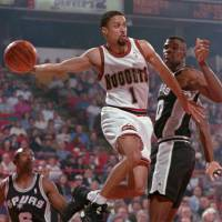 Blast from the past: Mahmoud Abdul-Rauf, who played nine seasons in the NBA, is joining the expansion Kyoto Hannaryz in the bj-league this season. | AP PHOTO