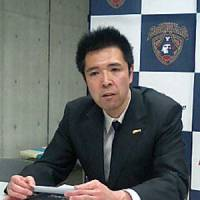 Hard earned win: Grouses coach Kazuaki Shimoji speaks at a news conference after his team's 80-79 win over the B-Corsairs on Wednesday in Yokohama. | ED ODEVEN