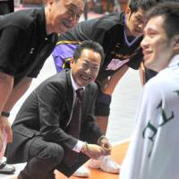 Back to the future: Sources are saying that Motofumi Aoki, the current bench boss of the Shinshu Brave Warriors, will be the coach of the Tokyo expansion team next season. | YOSHIAKI MIURA