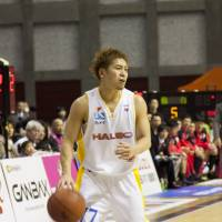Steady hand: The strong play of guard Takehiko Shimura is one of the reasons why the Sendai 89ers are in the playoff picture in the Eastern Conference this season. | DOMINIKA FITZGERALD