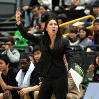 Trailblazer: Natalie Nakase, seen leading the Eastern Conference All-Star team on Jan. 15 at Saitama Super Arena, is the first female head coach in the bj-league. | YOSHIAKI MIURA