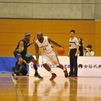 Point provider: Chiba Jets forward Jamel Staten has been a solid contributor to the expansion team during its first season, averaging more than 21 points and 10 rebounds per game. | YOSHIAKI MIURA