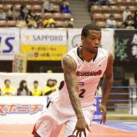 The catalyst: Yokohama B-Corsairs guard Draelon Burns helped the expansion team string together nine straight wins to end the regular season. | DOMINIKA FITZGERALD
