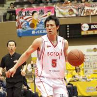 Time to regroup: After an 89-80 series-opening loss to the visiting Niigata Albirex BB on Saturday, guard Kenya Tomori, seen competing against the Sendai 89ers earlier this season, and his Hamamatsu Higashimikawa Phoenix teammates will look to bounce back in Game 2 on Sunday. | DOMINIKA FITZGERALD