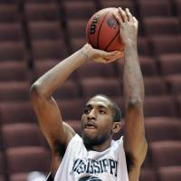 Refused to be railroaded: Ex-Osaka Evessa center Larry Cox, seen here with Mississippi Valley State in 2008, saw action in just four games for the bj-league club before his release. | AP