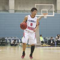 Theft artist: Iwate's Masato Tsukino is one of the bj-league's leaders in steals. He's one of six players averaging 2.0 or more per game through Sunday. | KAZ NAGATSUKA
