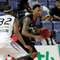 Veteran leader: Osaka Evessa forward Mike Bell has been an integral presence at both ends of the floor during the team's resurgence. | HIROAKI HAYASHI