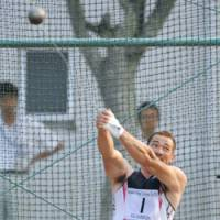 Solid form: Koji Murofushi, a perennial national champ, tosses the hammer on Monday in Toyota, Aichi Prefecture. | KYODO PHOTO