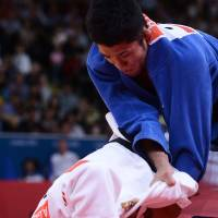 Hiraoka settles for judo silver; Fukumi shut out