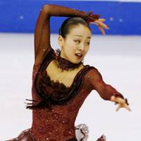 Olympic dilemma: Mao Asada must address her training situation quickly to optimally prepare to compete in the 2010 Vancouver Winter Games. | KYODO PHOTO