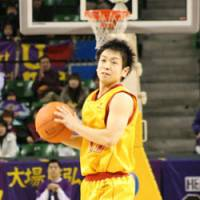 Steady performer: Sendai 89ers point guard Hikaru Kusaka, who has 129 assists and 44 turnovers entering this weekend, cannot compete for a spot on the national team because he plays in the bj-league. All of the bj-league's players face the same predicament.   KAZ NAGATSUKA