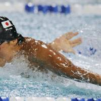 Solid effort: Takeshi Matsuda competes in the 200-meter butterfly final in the Pan Pacific Swimming Championships on Wednesday in Irvine, Calif. Matsuda placed third in a time of 1 minute, 54.81 seconds. | KYODO PHOTO