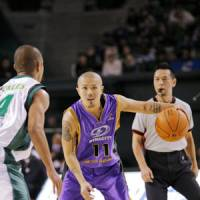 Steady performer: Tokyo Apache guard Cohey Aoki, seen in action during the 2007-08 season, has been one of the most consistent Japanese players in the bj-league since its inception in the fall of 2005. | TOKYO APACHE/BJ-LEAGUE