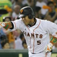 Swing for the fences: Giants slugger Alex Ramirez just missed a 50-homer season in 2010, ultimately finishing with 49. | KYODO PHOTO