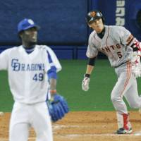 Jump started: Giants manager Tatsunori Hara is hoping a move to the No.?3 spot in the lineup pays off for Hayato Sakamoto. | KYODO PHOTO