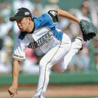 Crash course: Yuki Saito's past experiences could help if he's called upon during the postseason. | KYODO PHOTO