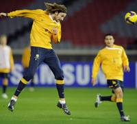 Ready to go: Australia striker Josh Kennedy and his teammates look to spoil Japan's home-field advantage in their World Cup qualifier on Wednesday in Yokohama. | KYODO PHOTO