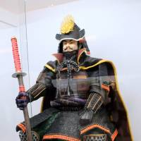 A statue made from unbaked sweets by Nagoya Namagashi Kyodo Kumiai, a confectionery association in Nagoya, depicts Oda Nobunaga, one of the unifiers of Japan after the Warring States period. | SATOKO KAWASAKI