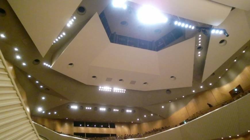The hall, home to the Tokyo Symphony Orchestra since 2004, is now returned to its former glory.
