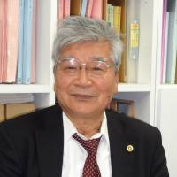 Best defense: Taketoshi Nakayama, a defense lawyer in the 1963 murder case known as the Sayama Incident, talks about the case at his office on March 25.  | KYODO