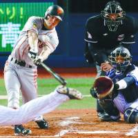 Second time around: John Bowker recorded seven RBIs in his first four games for the Yomiuri Giants this season. | KYODO
