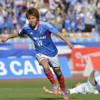 Marinos extend perfect start to year