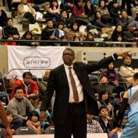 Evessa trounce Happinets for 10th straight victory