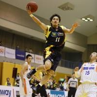 Winning attitude: Veteran floor leader Shingo Okada is helping the youthful Gunma Crane Thunders establish a foundation in the franchise's inaugural season. | GUNMA CRANE THUNDERS / BJ-LEAGUE