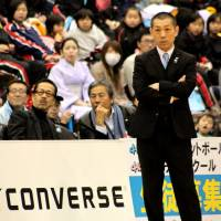 Steady hand: Despite starting the season 0-8, the Kyoto Hannaryz, led by coach Honoo Hamaguchi, have climbed to fifth place in the Western Conference standings. | HIROAKI HAYASHI