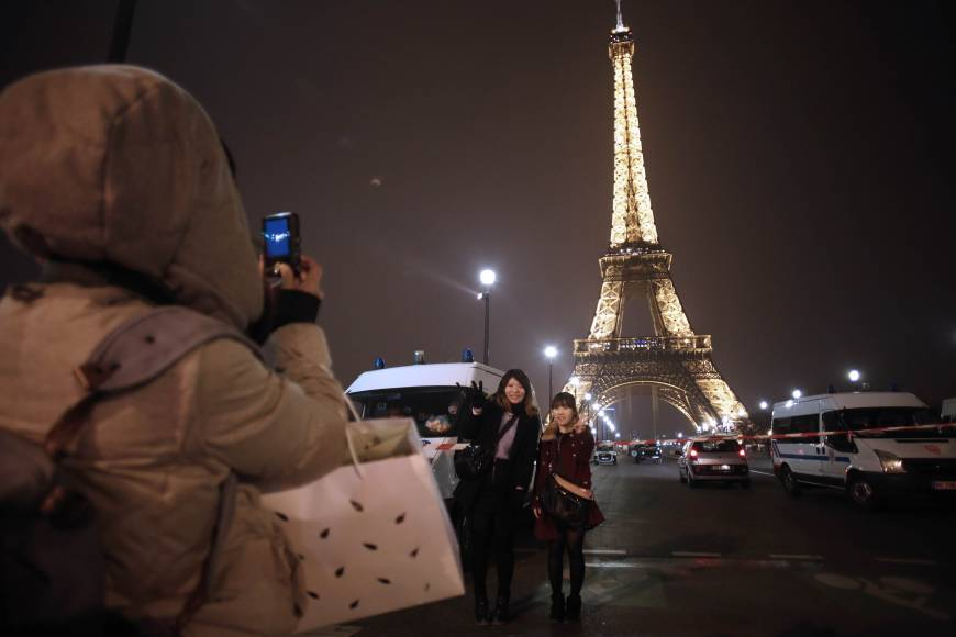 Crime takes shine off Paris for Chinese