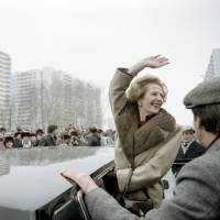 Cold warrior: British Prime Minister Margaret  Thatcher greets curious Muscovites who gathered to see her in the Soviet capital during her official visit to the Soviet Union in March 1987. | AFP-JIJI