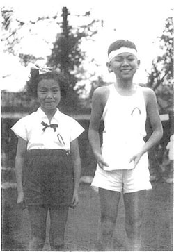 The star aged 11 in October 1955, kitted out for his school's annual sports day. | NIKKOKU LTD.