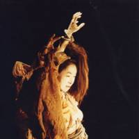 Reaching for the stars: France-based butoh dancer Sumako Koseki will both perform and give a talk on consecutive days at Theater X (Cai) in Tokyo. | PHOTO COURTESY OF THEATER X (CAI)